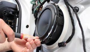 car audio woofer hertz