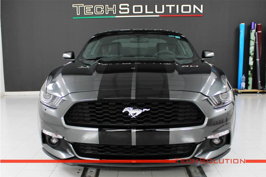 ford mustang strisce nere wrapping pellicola adesiva hexis